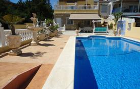 Villas and houses with pools for sale in Valencia. Spacious villa with a private garden, a swimming pool, a garage and an outdoor terrace, Los Balcones, Spain