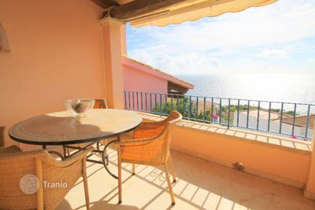 2 bedroom apartments for sale in Majorca (Mallorca). Bright apartment with sea view in Nova Santa Ponsa, Majorca, Balearic Islands, Spain