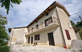 5 bedroom houses for sale in Central Europe. In the popular wine region of Slovenia – Goriška Brda – we are offering for sale this big estate with great potential