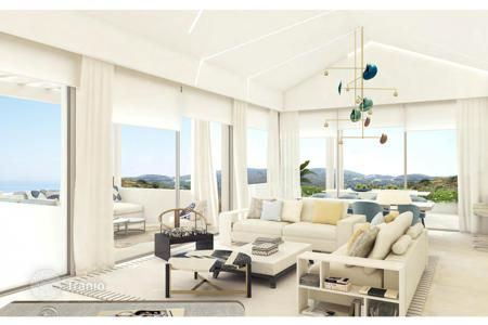 Residential for sale in Benahavis. Apartment for sale in Marbella Club Golf Resort, Benahavis