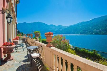 Luxury property for sale in Lombardy. Apartment in a historic villa in Carate Urio, Lake Como, Italy