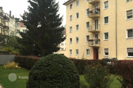Cheap apartments for sale in Bavaria. Apartment in Nuremberg opposite the Volkspark and lake Dutzendteich