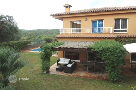 4 bedroom houses for sale in Condado del Jaruco. Villa – Condado del Jaruco, Catalonia, Spain