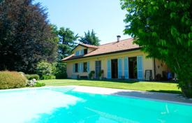 5 bedroom houses for sale in Lombardy. Villa – Besozzo, Lombardy, Italy