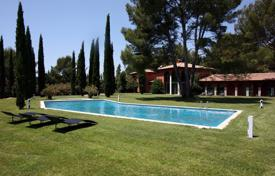 Property to rent in Ventabren. Villa – Ventabren, Bouches-du-Rhône, Provence — Alpes — Cote d'Azur, France