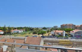 Cheap residential for sale in Cascais. Apartment in Cascais