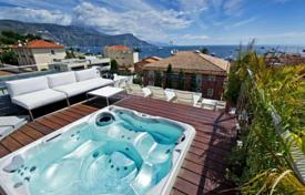 5 bedroom villas and houses by the sea to rent in France. Saint-Jean Cap Ferrat — Charming villa in the village center
