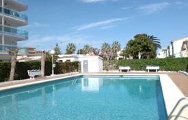 Property for sale in Denia. Apartment in residence with swimming pool and parking, 200 meters from the sea, in Denia, Spain