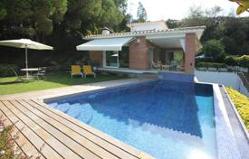 4 bedroom houses for sale in Cabrils. Comfortable, practical and bright house in Cabrils, Barcelona coast