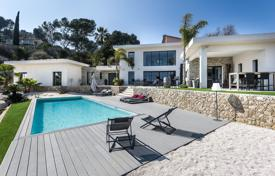 Luxury 4 bedroom houses for sale in Mougins. Modern villa with a pool, a gym, a garden, a garage and sea views, Mougins, France