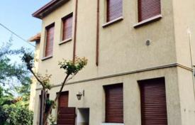 Property for sale in Lombardy. Apartment building – Desenzano del Garda, Lombardy, Italy