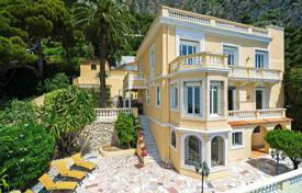 Elegant three-storey villa with a pool, terraces and a garden, close to the beach and the port, Nice, France for 3,950,000 €