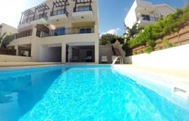 Villa in Limassol with 3 bedrooms, East Beach for 550,000 €