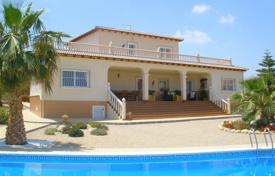 4 bedroom houses for sale in Murcia (city). 4 bedroom villa with private pool, solarium, garden and BBQ area in Murcia