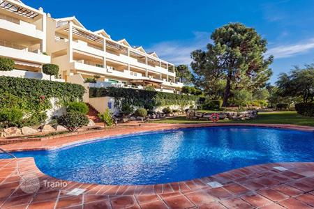 Cheap penthouses for sale in Costa del Sol. Penthouse – Estepona, Andalusia, Spain