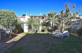 Townhouses for sale in Marbella. TOWNHOUSE CLOSE TO AMENITIES NUEVA ANDALUCIA MARBELLA