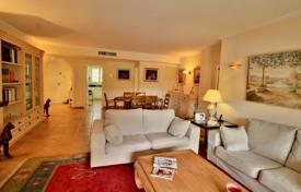 Residential for sale in Santa Ponsa. Three-bedroom apartment in a residence with a pool, close to the beach and infrastructure, Santa Ponsa, Mallorca