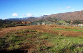 Development land for sale in Mijas. Plot with a view of the mountains, next to the golf course, Mijas, Spain