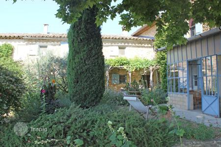 4 bedroom houses for sale in Oppède. Luberon — Provencal property with character