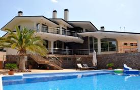 Luxury property for sale in Costa Blanca. Luxury villa in Campoamor
