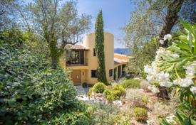6 bedroom houses for sale in Provence - Alpes - Cote d'Azur. Provencal style villa on a large plot with a garden, a pool and a garage, 15 minutes from the city center, Nice, France
