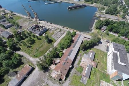Commercial property for sale in Liepajas pilseta. A huge area in the port of Liepaja for sale