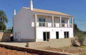 Property for sale in Albufeira. Converted 4 bedroom quinta plus annex, with swimming pool near Albufeira