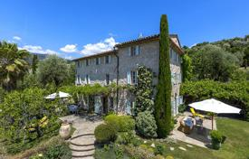 Luxury houses with pools for sale in Grasse. Renovated historic estate with a garden and a swimming pool, Grasse, France
