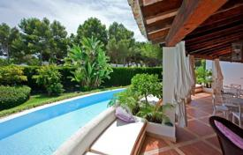 6 bedroom houses for sale in Majorca (Mallorca). Spacious villa with a guest apartment, a private garden, a pool and a garage, Sol de Mallorca, Spain