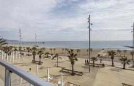 Apartments with pools for sale in Badalona. Аpartment on the beach