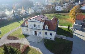 Luxury property for sale in City of Zagreb. Ancient villa with a garden and a parking, Zagreb, Croatia