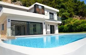 Luxury 5 bedroom houses for sale in Villefranche-sur-Mer. Stylish renovated villa with a swimming pool, a garden and a garage, Villefranche-sur-Mer, France