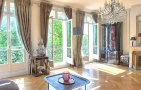 4 bedroom apartments to rent in Paris. Beautiful family apartment next to the Ranelagh Gardens