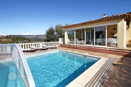 Property to rent in Fayence. Villa – Fayence, Côte d'Azur (French Riviera), France