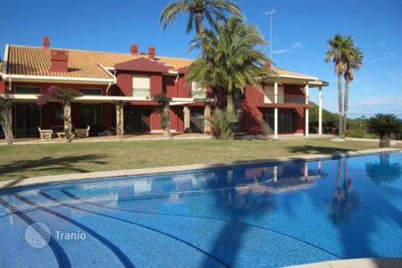 Luxury chalets for sale in Valencia. Detached Villa — Denia