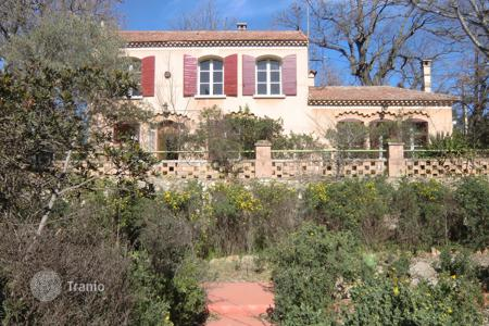 Property for sale in Aix-en-Provence. Apartment – Aix-en-Provence, Provence — Alpes — Cote d'Azur, France