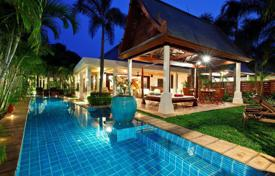 Villas and houses by the sea for rent with swimming pools in Ko Samui. Villa on the beach in Maenam