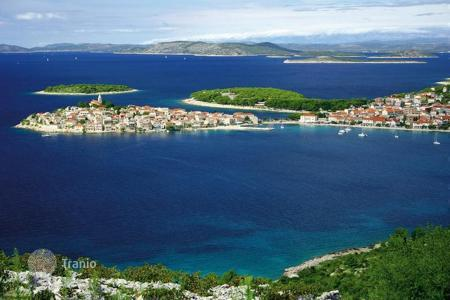 Houses with pools by the sea for sale in Sibenik-Knin. Villa - Sibenik-Knin, Croatia