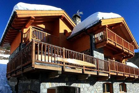 Chalets for rent in Meribel. Chalet – Meribel, Auvergne-Rhône-Alpes, France