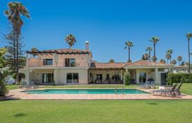 A fabulous property beautifully refurbished in a contemporary style near the Real Club de Golf Sotogrande for 1,900,000 €