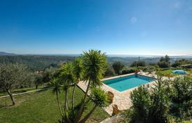 Property to rent in La Ciotat. Villa Dufy