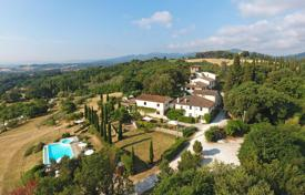 Property for sale in Florence. An organic agriculture oriented touristic facility near Florence