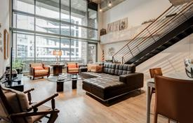 Property for sale in Dallas. Two-level loft with a terrace, in a residence with a roof-top swimming pool and a concierge, Dallas, Texas, USA
