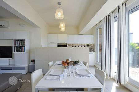 Apartments for sale in Alassio. Spacious and bright penthouse with terrace in Borgo Coscia area, Alassio, Liguria