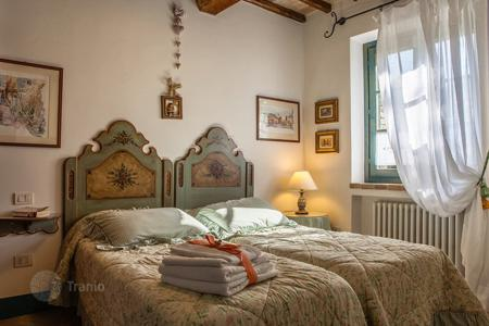 Villas and houses to rent in Umbria. Mirtillino
