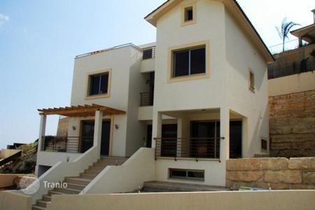 Houses for sale in Agios Tychon. Four Bedroom House