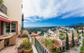 Townhouses for sale in Benahavis. Town House for sale in La Heredia, Benahavis