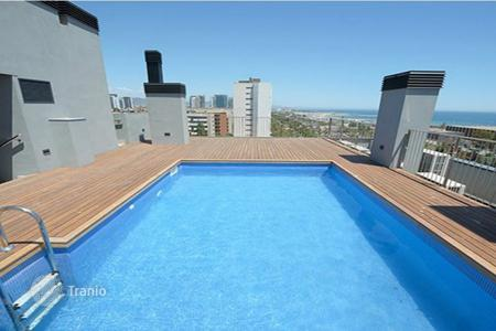 2 bedroom apartments by the sea for sale in Barcelona. New flats in Diagonal Mar