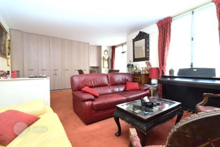 Cheap apartments for sale in Ile-de-France. Paris 16, Exelmans, charming apartment of 56sqm, 1 bedroom