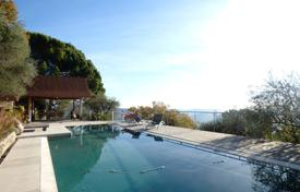 Luxury 4 bedroom houses for sale in Grasse. Grasse — Bastide Of The 18th Century - Sea View